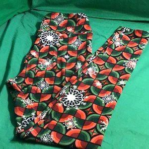 LuLaRoe Christmas Snowflake Leggings - OS